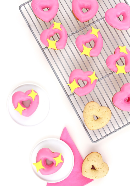 DIY Valentines Gifts Ideas Heart Donuts