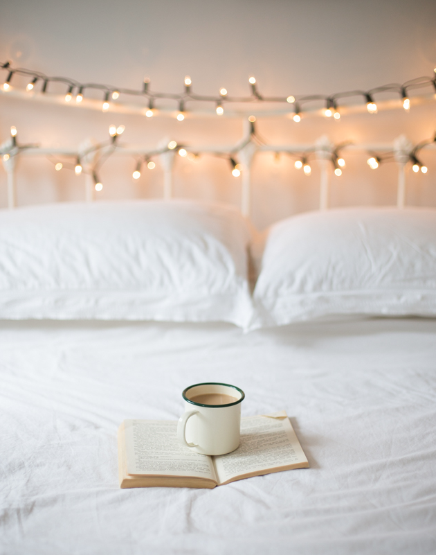 Stylish bedroom ideas for small rooms white fairy lights
