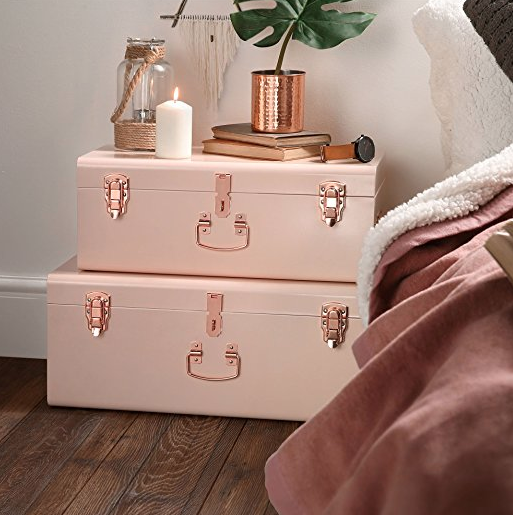 Stylish Bedroom Ideas for Small Rooms Trunks
