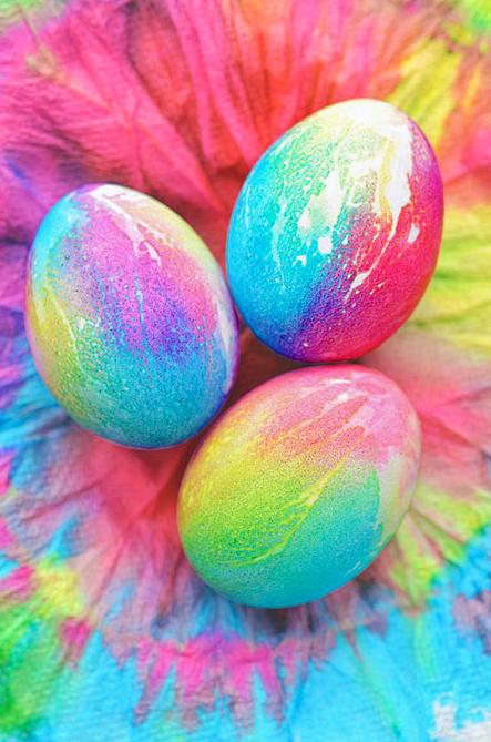 DIY Easter craft ideas tie dye eggs
